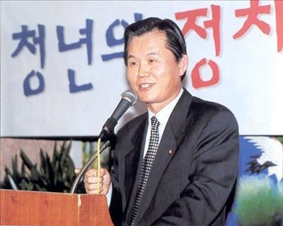 박철언 전 정무장관